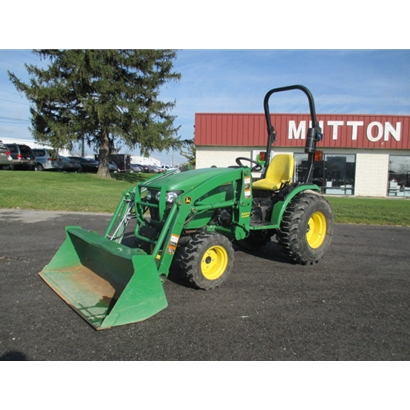 Used John Deere 2520 Tractor with Loader