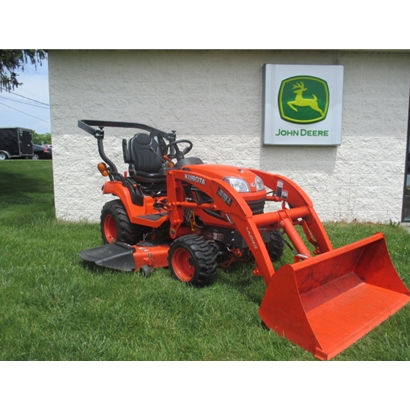 Used Kubota B7200 Tractor with 60