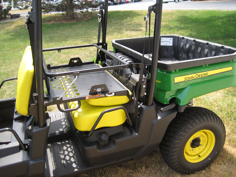 how to change the oil on jd gator xuv 550