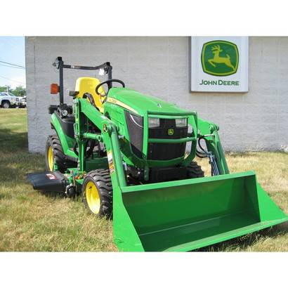 John Deere Sub Compact Utility Tractor 1026R Package