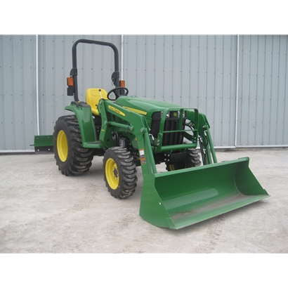 John Deere 3025E Compact Utility Tractor with Loader